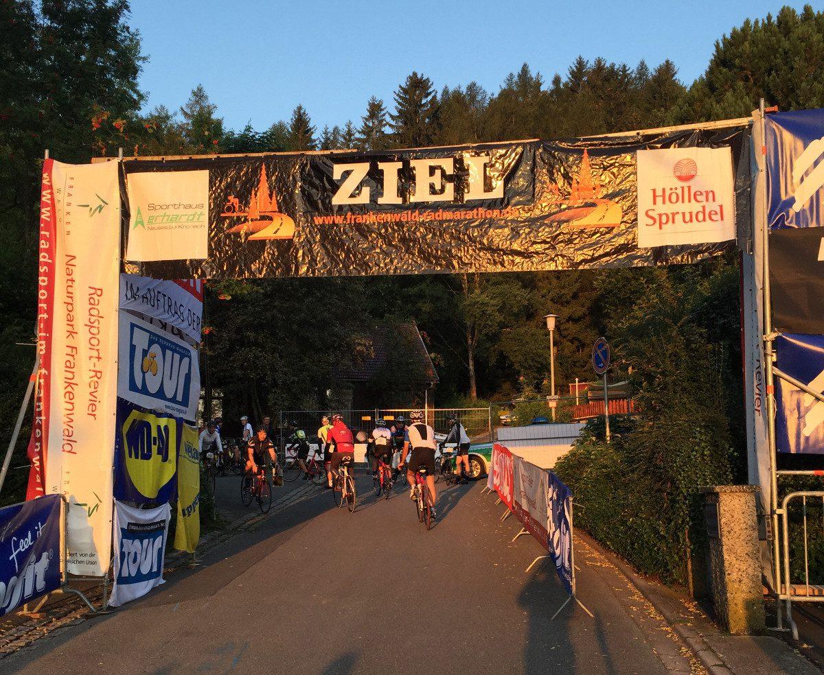 Frankenwald Radmarathon 2016 Zielbogen