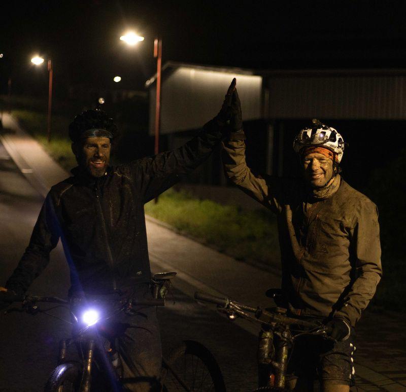 Tim und Schildi Everesting 3